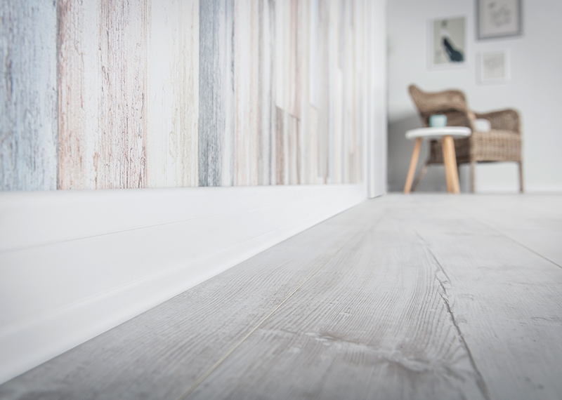 Match the skirting board to the floor