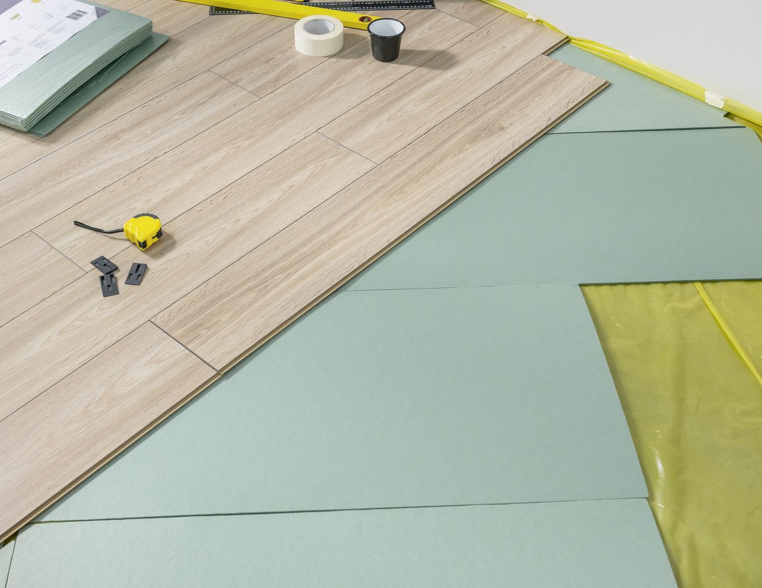 Podkłady pod panele podłogowe